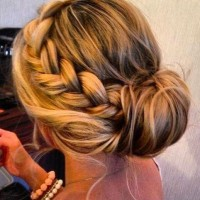 wedding-hairstyles-for-long-hair-bridesmaid-1